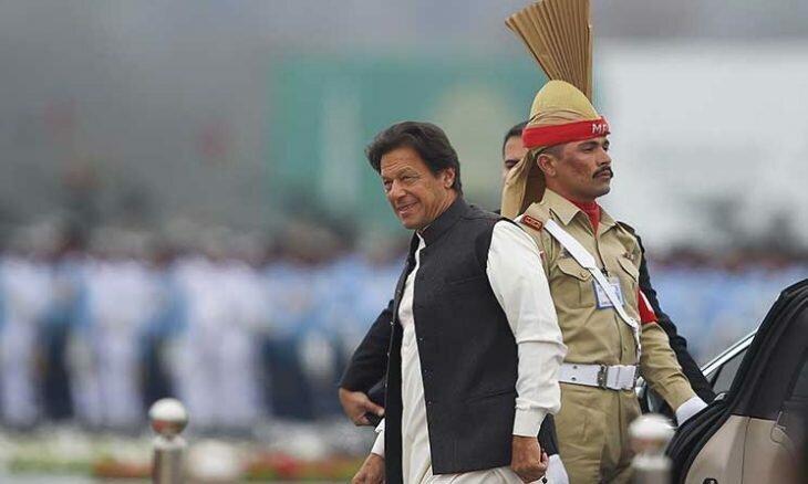 عمران خان و باجو شخصا به مرز کشمیر رفتند