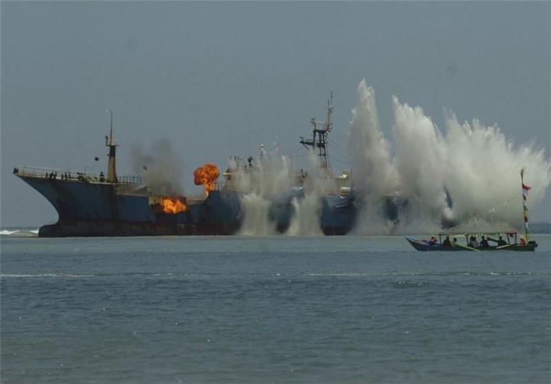روش اندونزی برای مقابله با ماهیگیری غیرقانونی؛ انفجار قایق