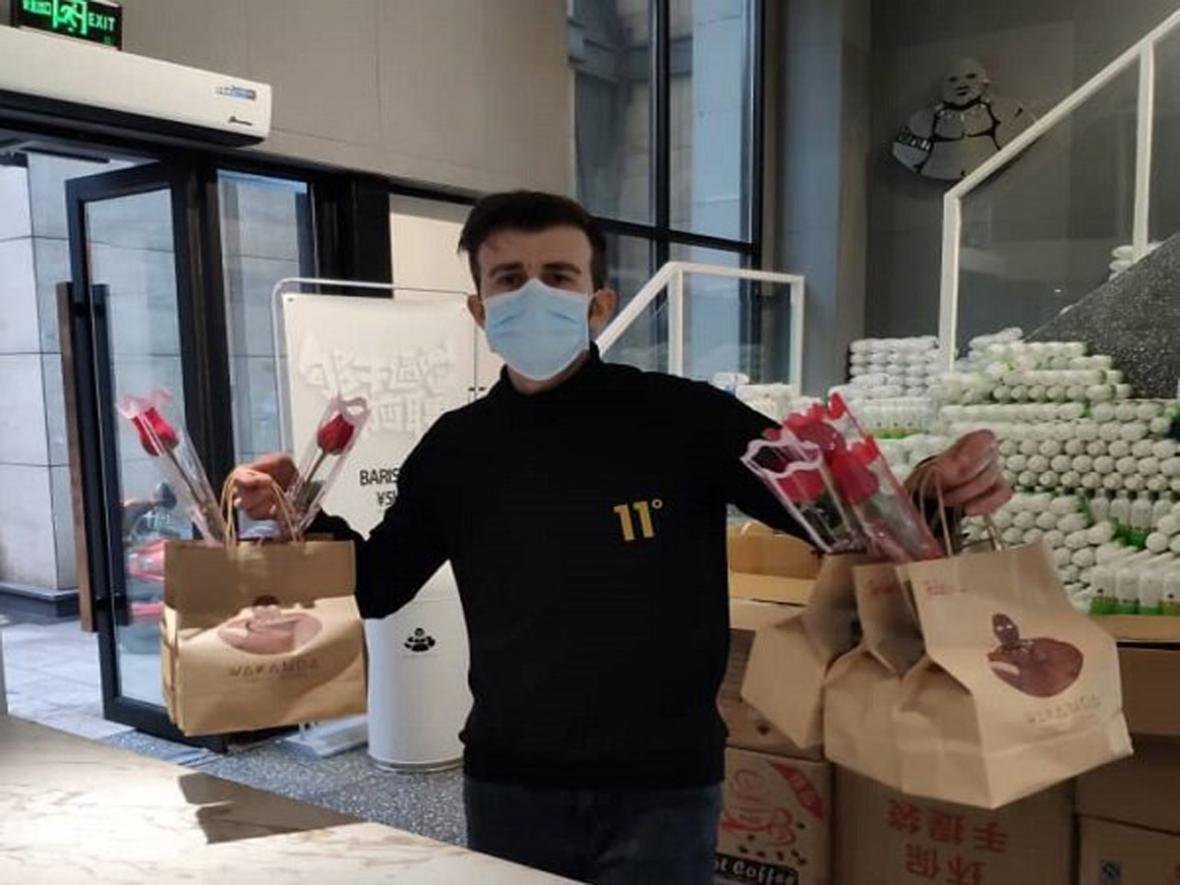 اقدام جوان خوزستانی در بحبوحه کرونا تحسین چینی ها را برانگیخت