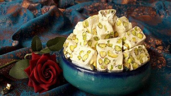 طرز تهیه گز آردی یکی از قدیمی ترین شیرینی ها و دسرهای ایرانی؛ حرفه ای درست کنید