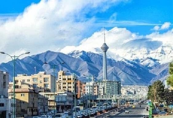 کیفیت هوای تهران در مرز پاک واقع شده است