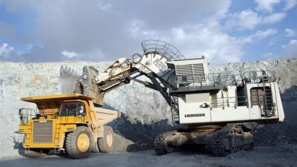 رشد 113 درصدی سرمایه گذاری خارجی در بخش صنعت و معدن