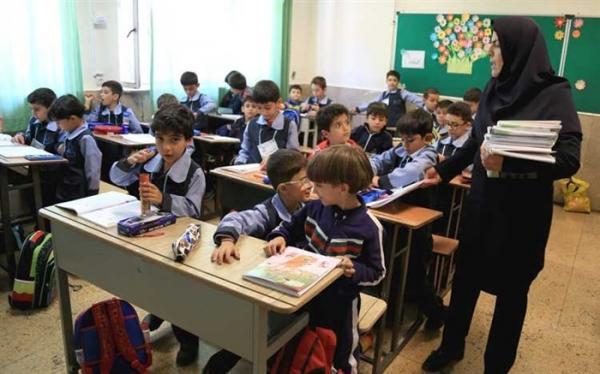 موسسین نسبت به پرداخت عیدی معلمان مدارس غیردولتی اقدام کنند