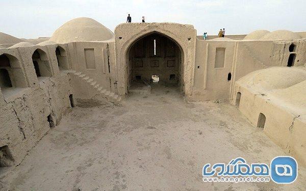 قلعه رستم بنایی باشکوه در کویر سیستان است