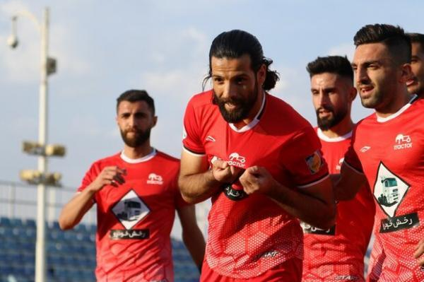 پیروزی تراکتور با فیروز کریمی، ذوب آهن به سقوط نزدیک شد