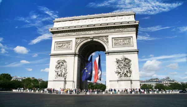 تاریخ دوهزارساله پاریس؟!