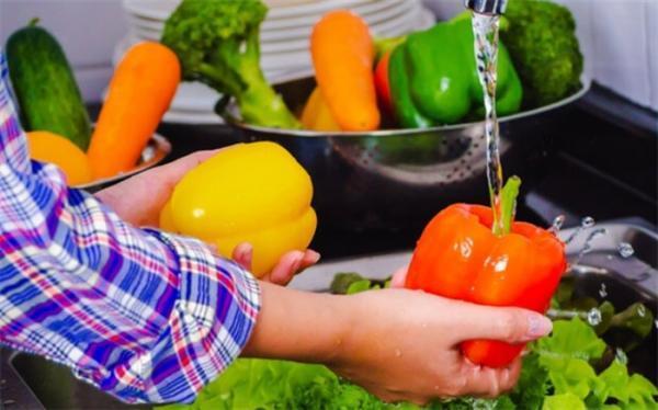 بدن انسان چقدر میوه و سبزی احتیاج دارد؟